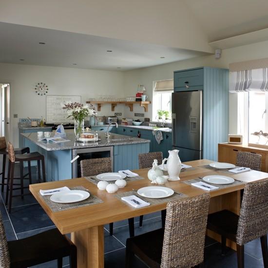 Blue-and-White-Coastal-Kitchen-Beautiful-Kitchens-Housetohome