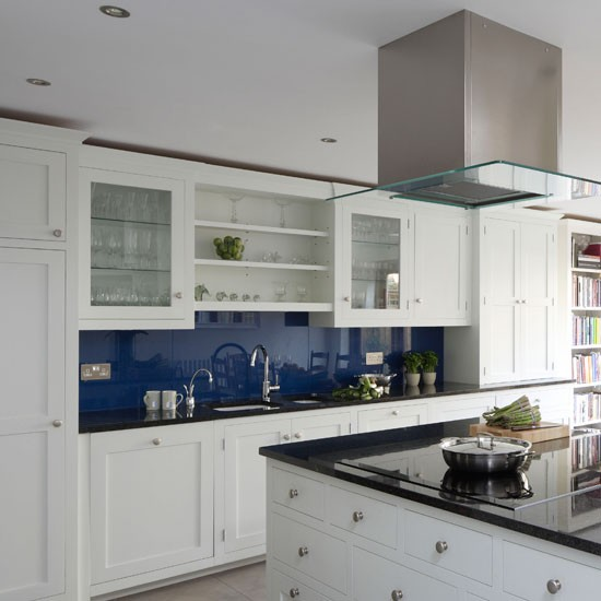 Classic-blue-and-white-kitchen---Traditional---Beautiful-Kitchens