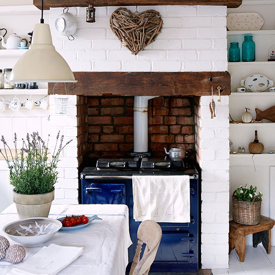 White-Painted-Brick-Kitchen-Country-Homes-and-Interiors-Housetohome